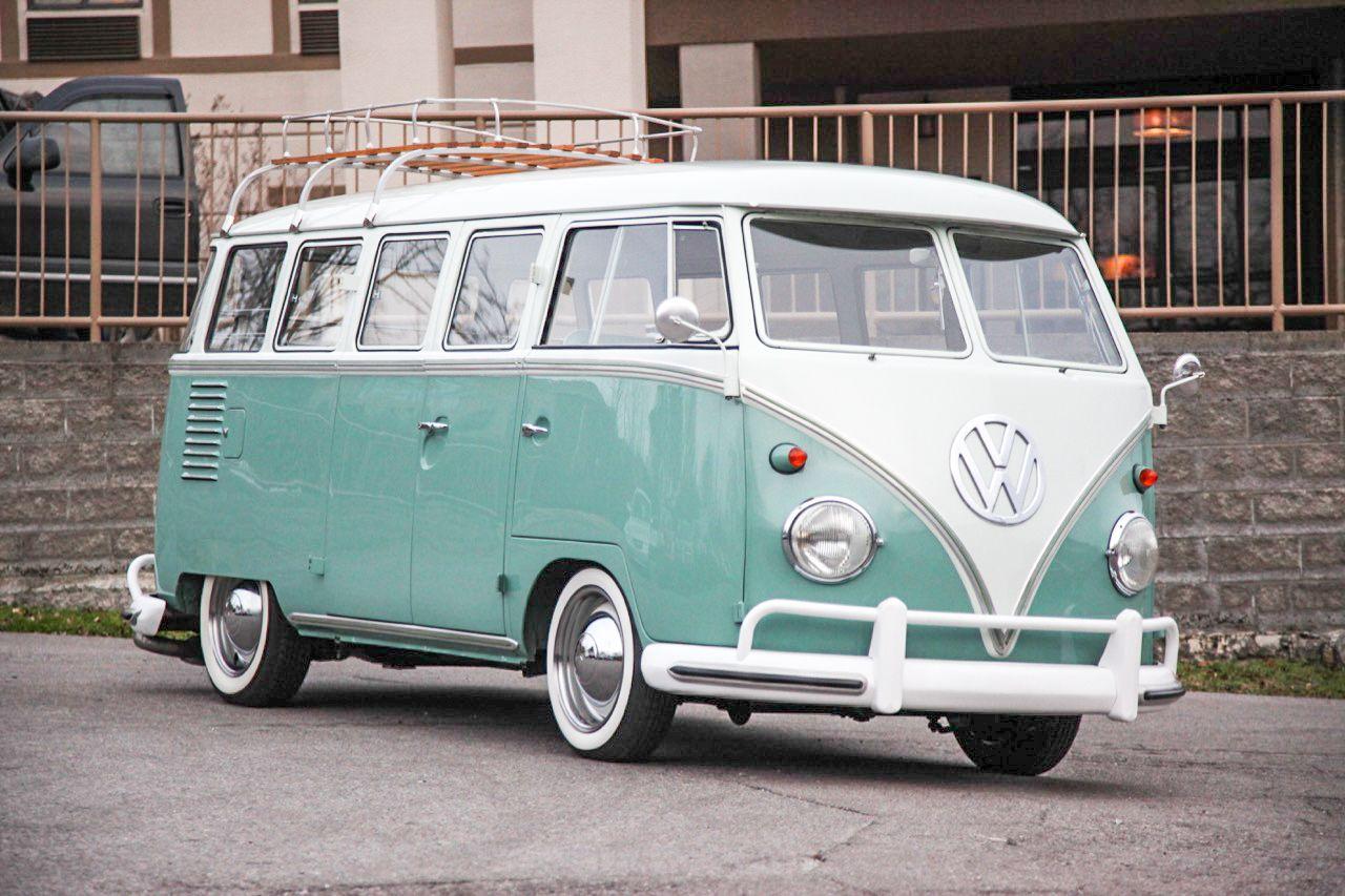 1961 Volkswagen Type 2 15 Window Bus Volkswagen Type 2 Volkswagen Bus Classic Volkswagen