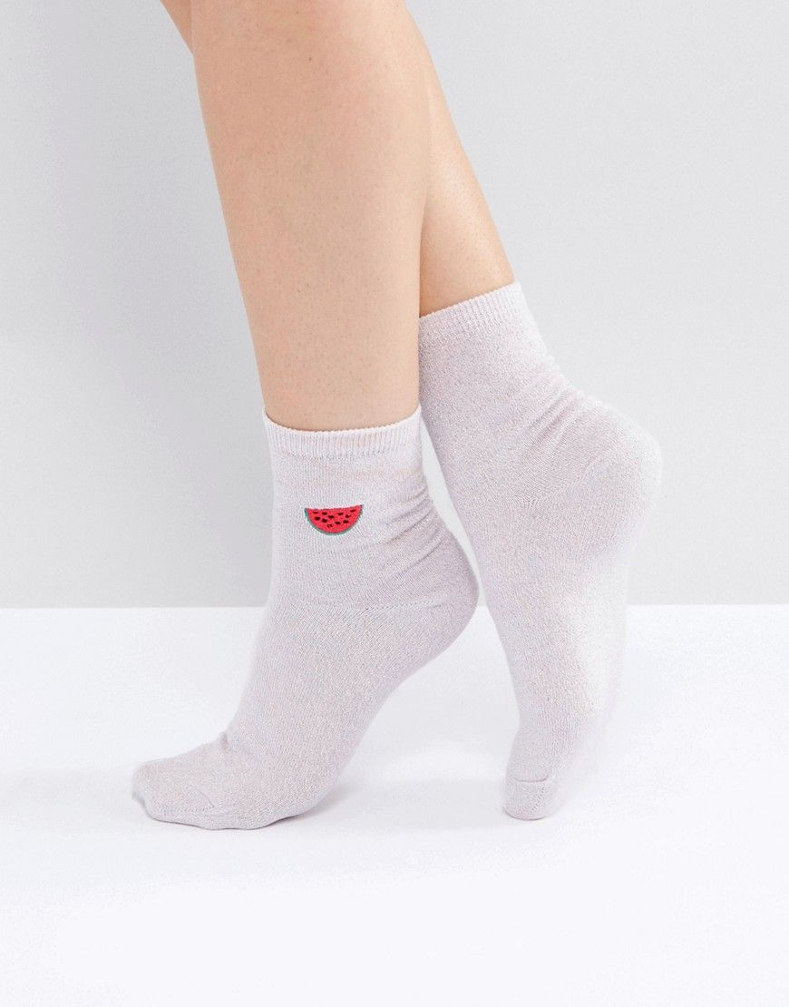 Get this Asos's basic socks now! Click for more details