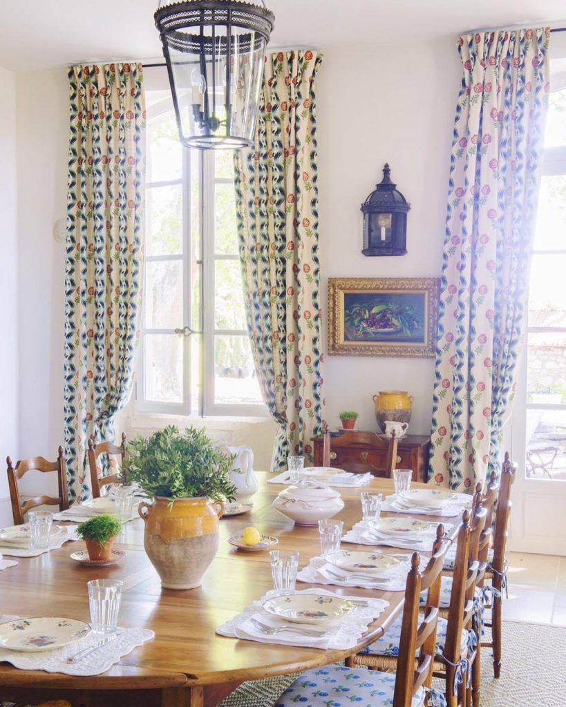 Le Mas Des Poiriers In Provence France Katie Considers Provence Interior Dining Room French French Decor