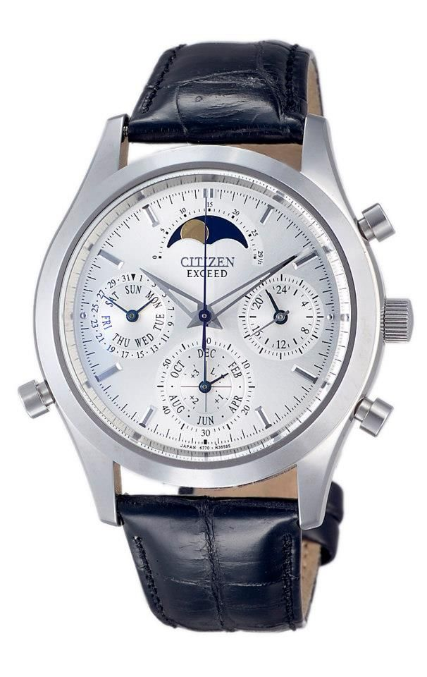 The world's first analogue quartz watch with grand complication. Functions included perpetual calendar, moon phase, chronograph and minute repeater.