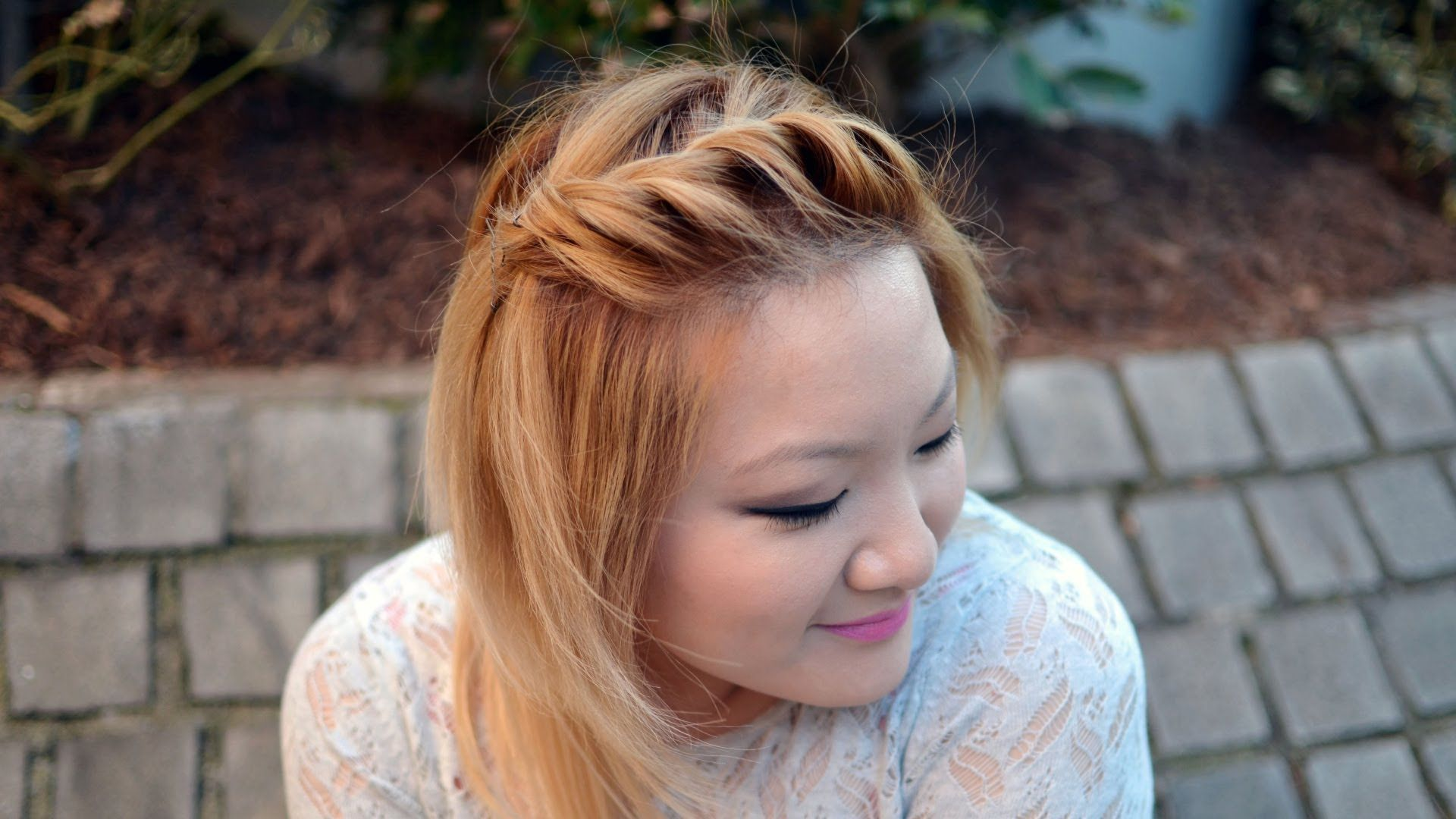 how to: front side twist hairstyle {quick & easy} | pretty