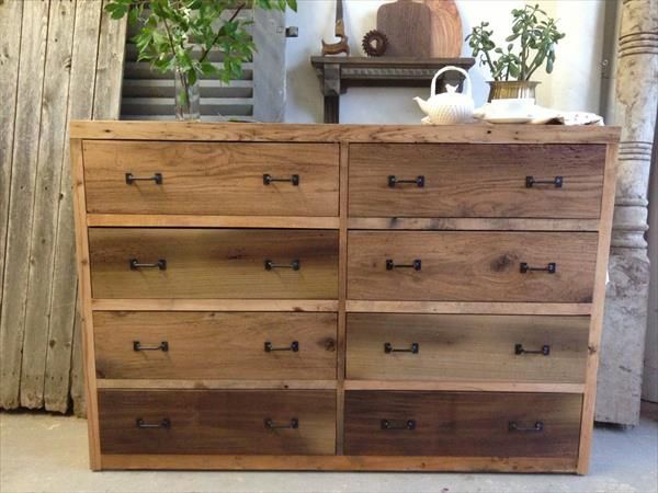 diy wooden pallet dresser with 8 drawer dresser pallet dresser wood dresser dan pallet. Black Bedroom Furniture Sets. Home Design Ideas