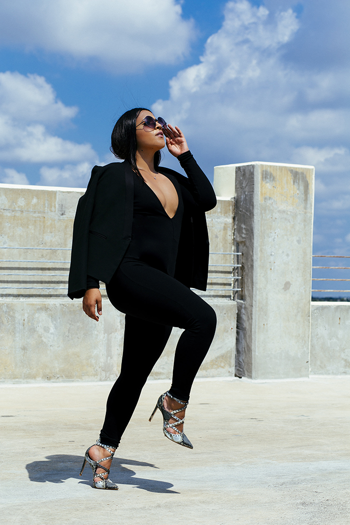 stephanie-cosmopolitan-black-summer-miami-fashion-blogger-style-the-lux-loft