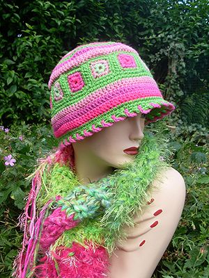 https://flic.kr/p/6M6d78 | pnkgrn1 | Pink-Green set. Raggy Scarf with hat