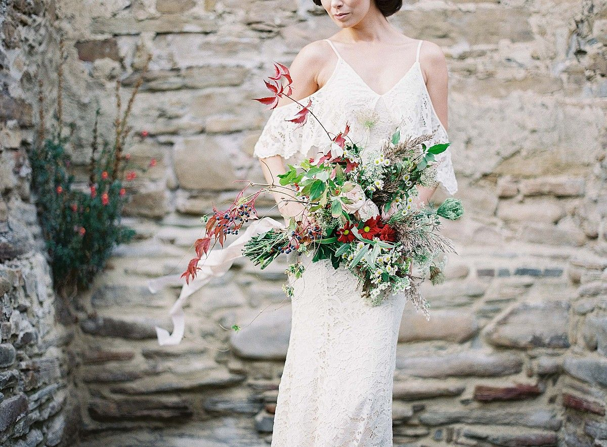 Causal picnic inspired bridal style by madalina sheldon wedding