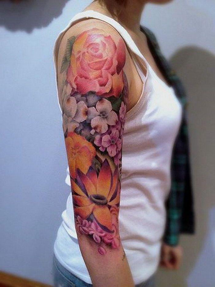 beliebteste tattoos, wasserfarbe tattoo mit blumen am
