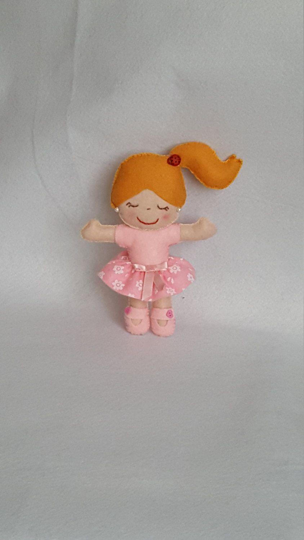 Bambolina Rosa in pannolenci bomboniera di lubeba su Etsy