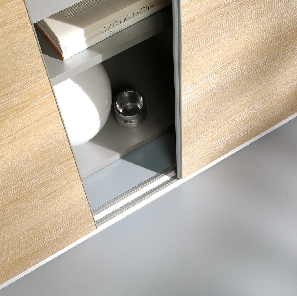 Detailansicht Einer Einlaufigen Bodenschiene Des Inova Schiebetur