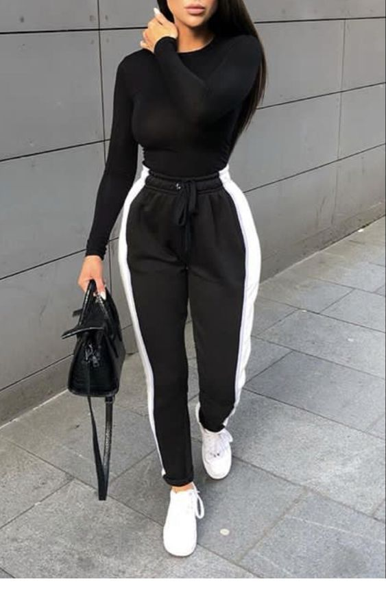 Lovely black outfit and bag