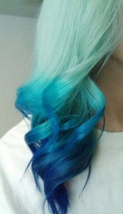 Mint Green To Blue Ombre Hair Idea Colored Hair Tips Light Hair Color Hair Color Crazy
