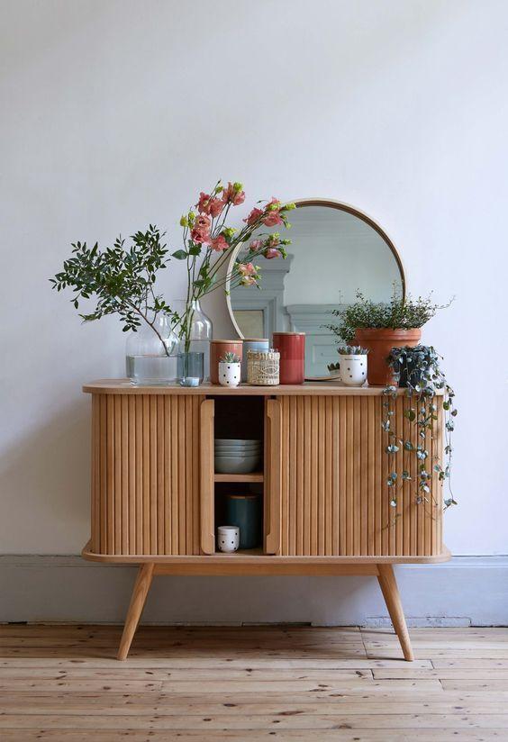 vintage furniture Helemaal hip en 2019 Super schattig kastje met een vintage look en retro stijl Bron Notre loft