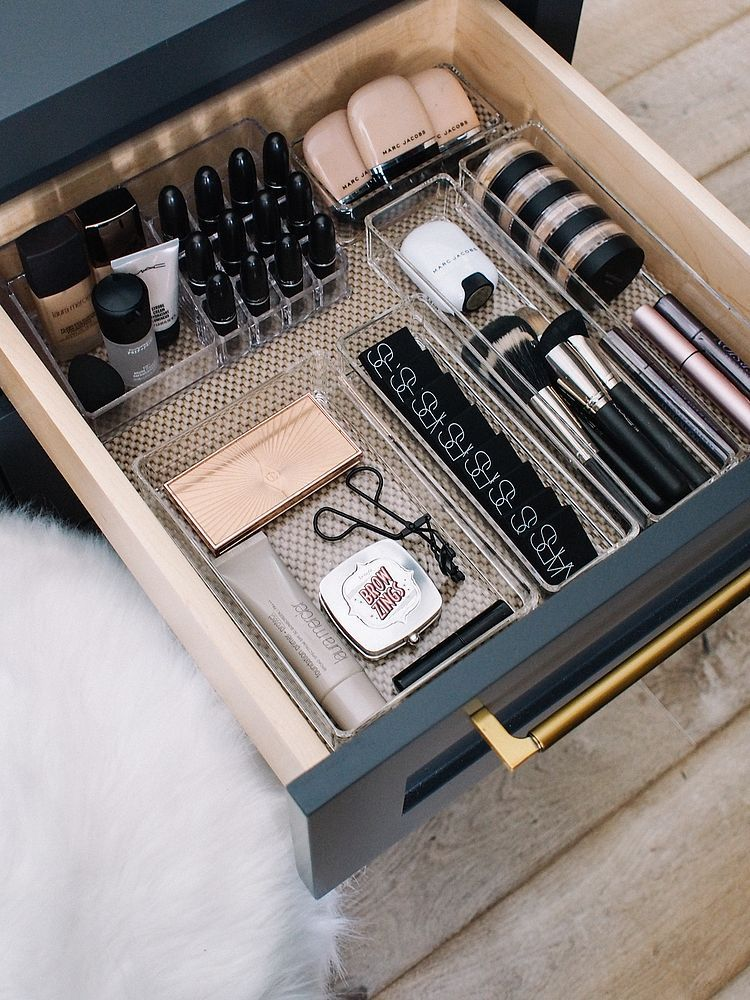 How I Organize My Makeup Drawers (Andee Layne – The Honeybee)