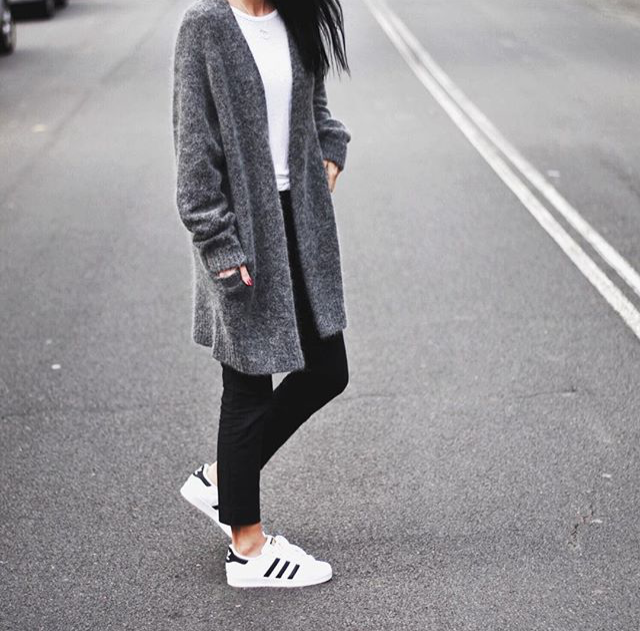 timeless design 51e21 ff42b Grey cardigan + Adidas Superstar sneakers. Grey cardigan + Adidas Superstar  sneakers. Adidas Women, Adidas Trainers Outfit ...