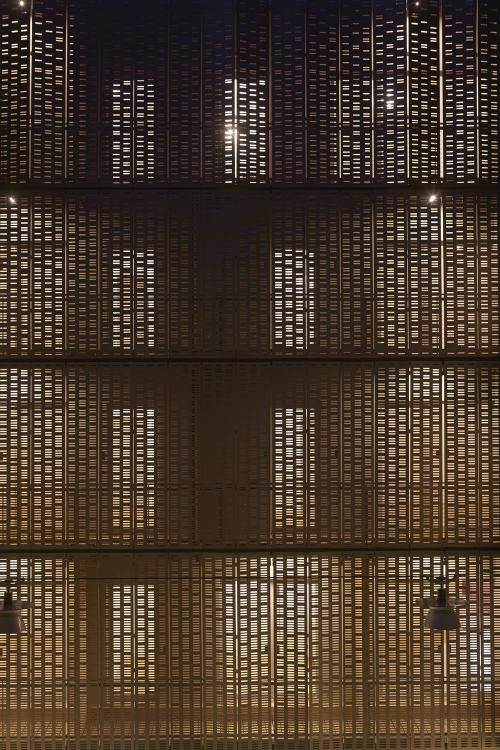 Folding-sliding drilled panels in Le Marais [555] | filt3rs