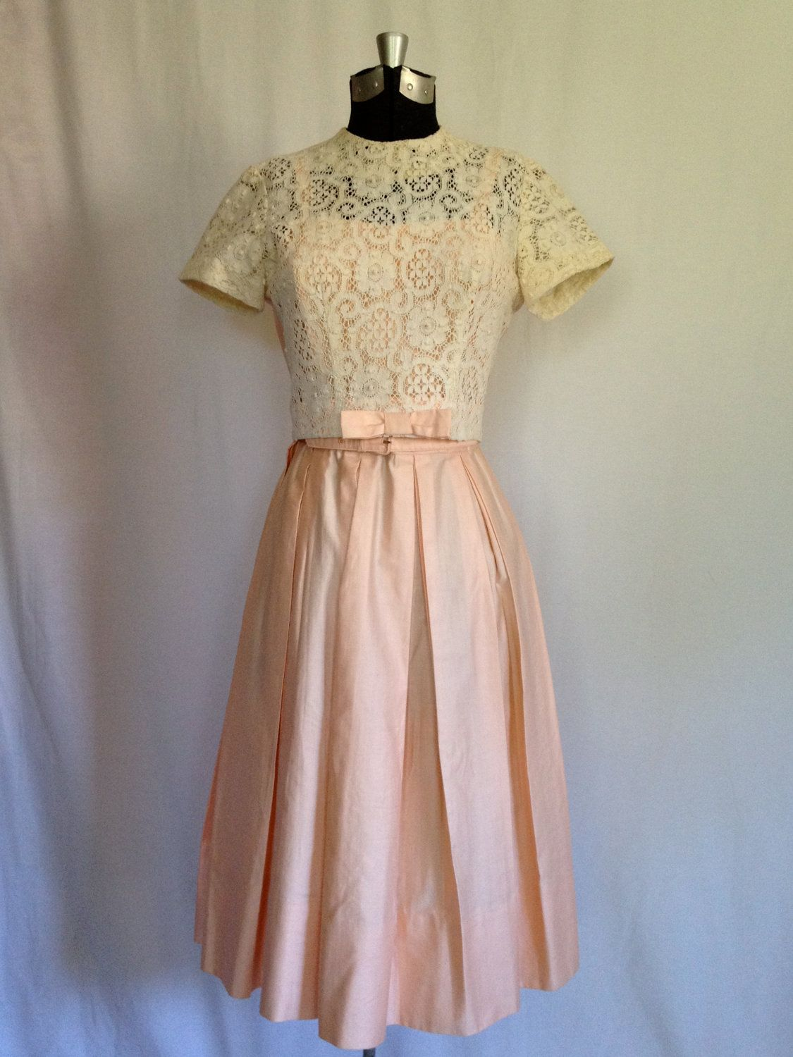 Lace dress 50s  Vintage us Polished Cotton Pretty Pink Party Dress  Small