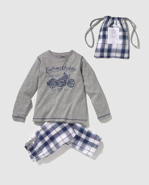 03638aba7f Pijama de niño dos piezas combinadas