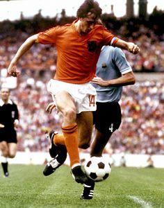 Johan Cruyff Holland World Cup GREAT COLOUR Ball Poster