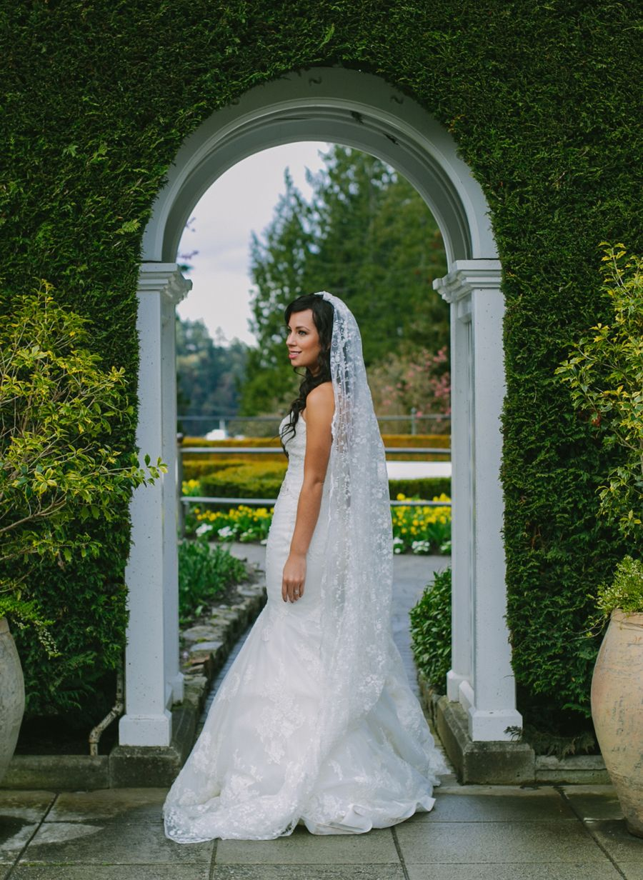 Marissa And Davids Wedding At Butchart Gardens