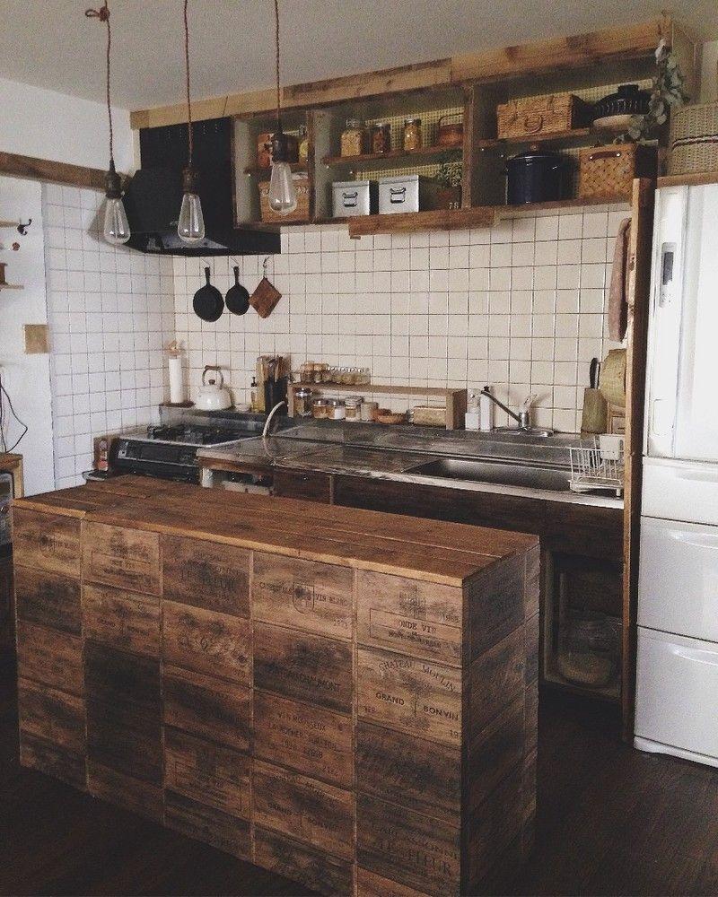 まるで本物 カウンターにワイン木箱柄の壁紙を貼る ワイン木箱 インテリア 収納 インテリア 家具