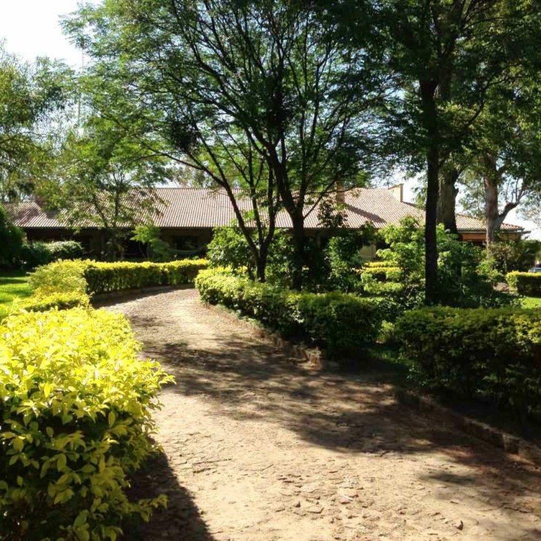 Paraguay Nähe Asuncion 1 000 M²haus Immobilie Zu Verkaufen Paraguay Asuncion Realestate Immobilie Südamerika Immobilien Immobilienkauf Gewerbeimmobilien