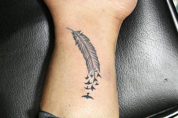 20 Tatuajes Para Hombres Con Disenos Originales Tatuajes Pequenos Para Chicos Mejores Tatuajes Pequenos Tatuajes En La Mano Para Hombres