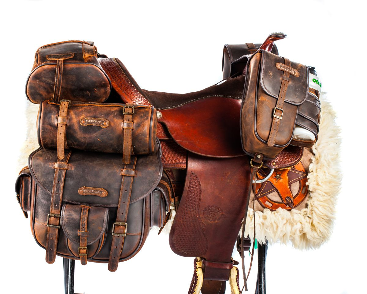 On Top Saddlebags In Leather Saddle Bags Horse Horse Accessories Cowboy Gear