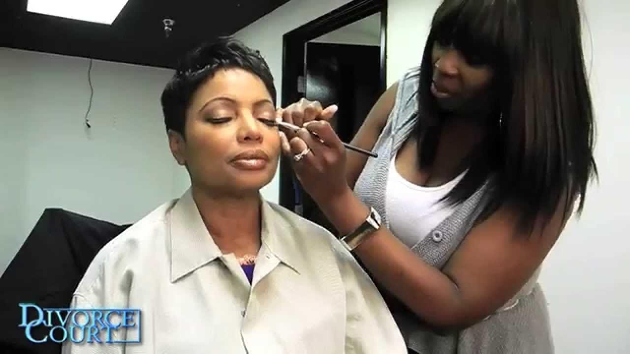 Judge Lynn Toler S Beauty Secrets Revealed Makeup Artist Val Hunt Does An Amazing Job To An Already Beautiful Lady Great Beauty Secrets Lynn Secrets Revealed