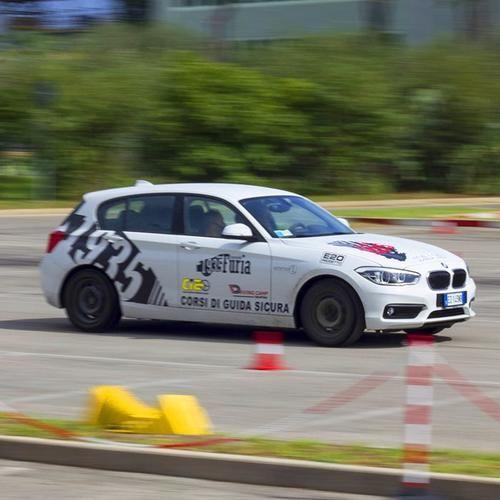 Corso di guida sicura 16990 - Prezzo