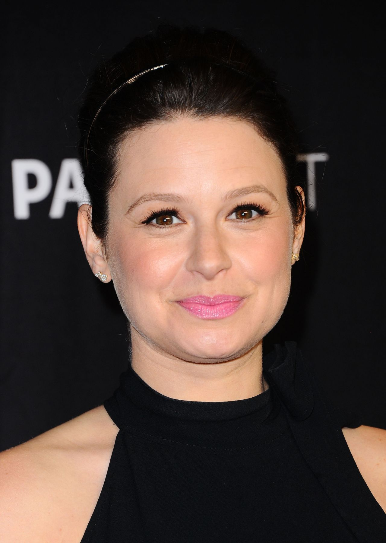 Katie lowes long wavy casual hairstyle thehairstyler com - Bellamy Young Bellamyyoung Scandal Screening And Panel At Paleyfest In Hollywood 26 03 2017 Celebstills Bellamy Young Int Celebrities Pinterest
