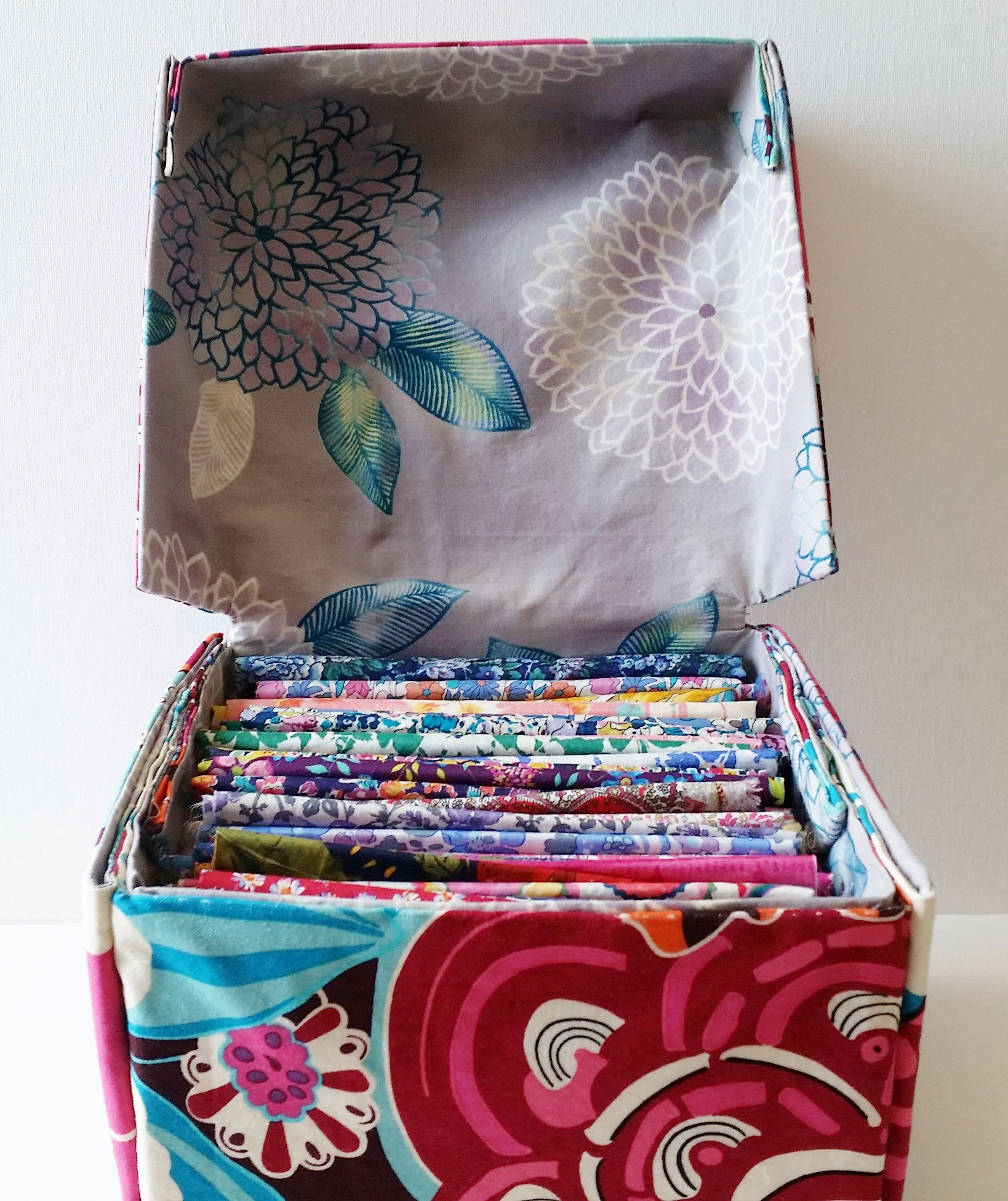 DIY Fabric Box With Lid Tutorial Fabric boxes, Fabric