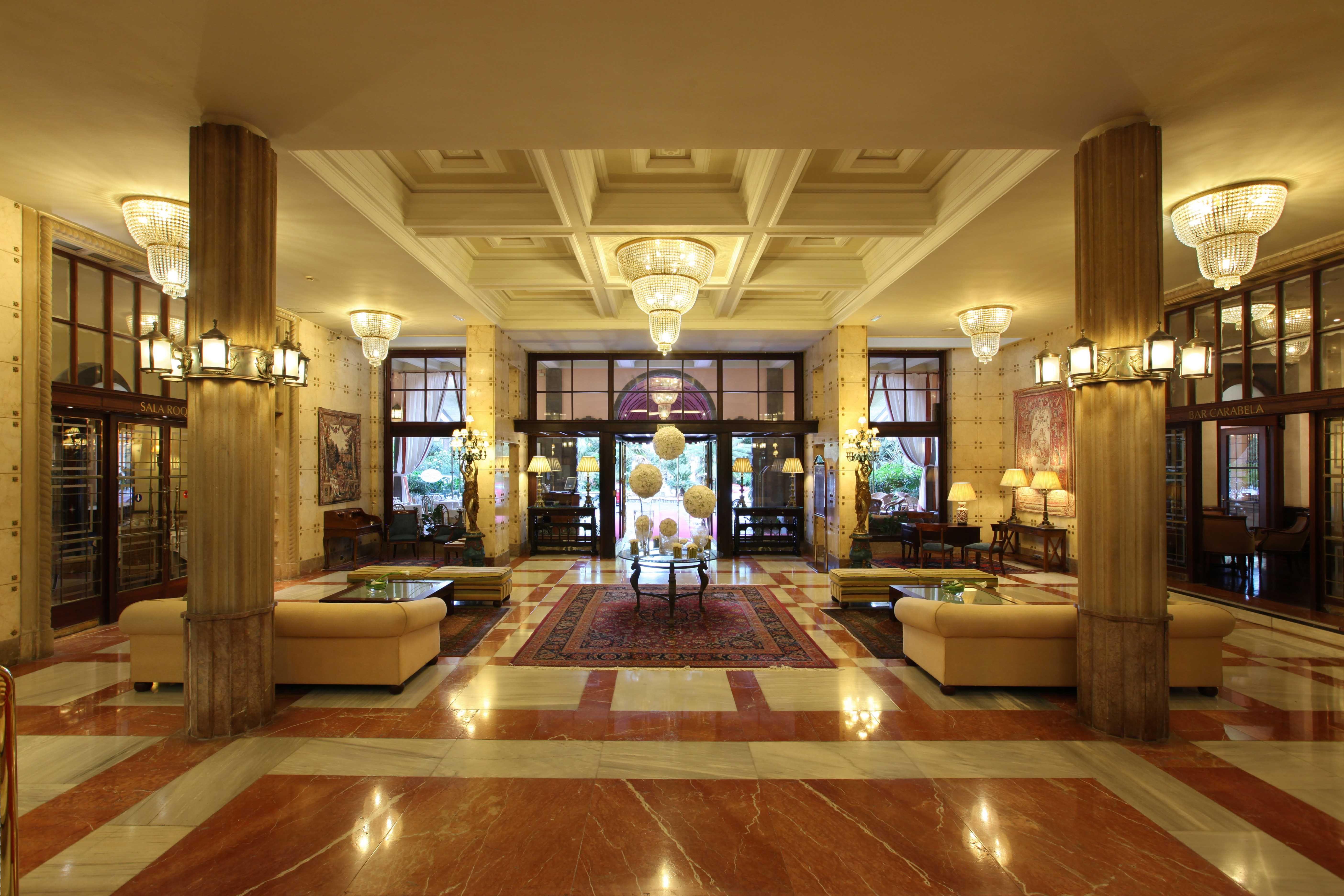 Lobby de hoteles 5 estrellas buscar con google tareas for Decoracion con estrellas