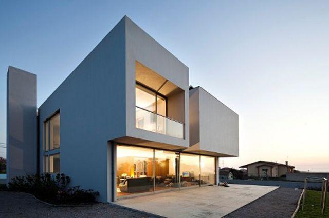 Une maison contemporaine à étage par ARCHIONLINE Architecture - facade de maison moderne