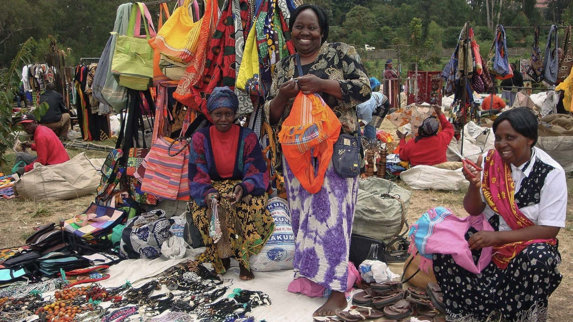 Discover the colorful markets of Arusha during your stay in Tanzania.n- - - - - - - - - - - - - - - - - n#arusha #africanculture #africa #tanzania #culturegram