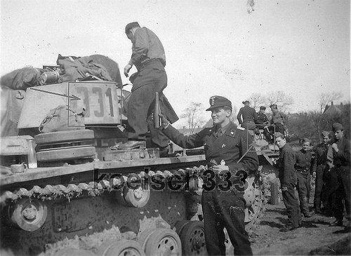 Panzerkampfwagen III (7,5 cm Kw.K. 37 L/24) Ausf. N mit Sc… | Flickr