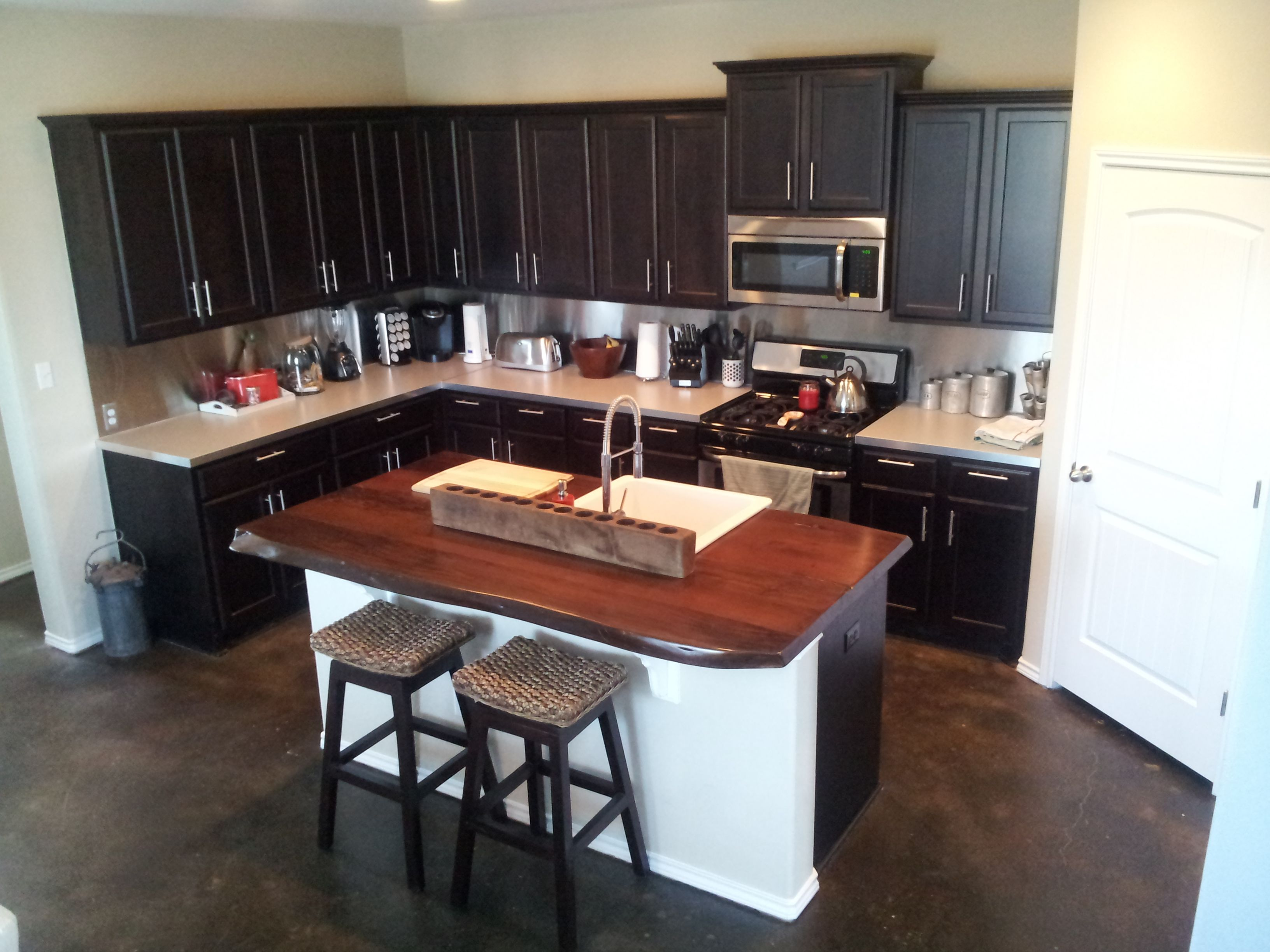 Inexpensive stainless steel backsplash for the home for Inexpensive backsplash for kitchen