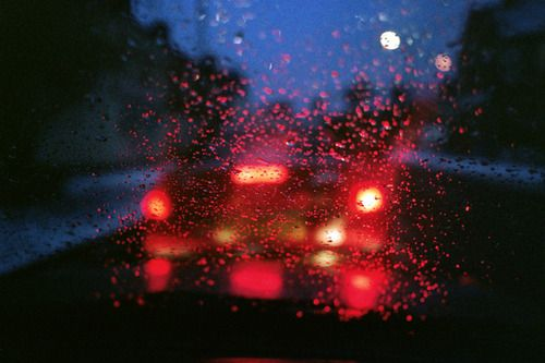 Right side of the car seat sometimes cry, sometimes just look at the window and see the rain.