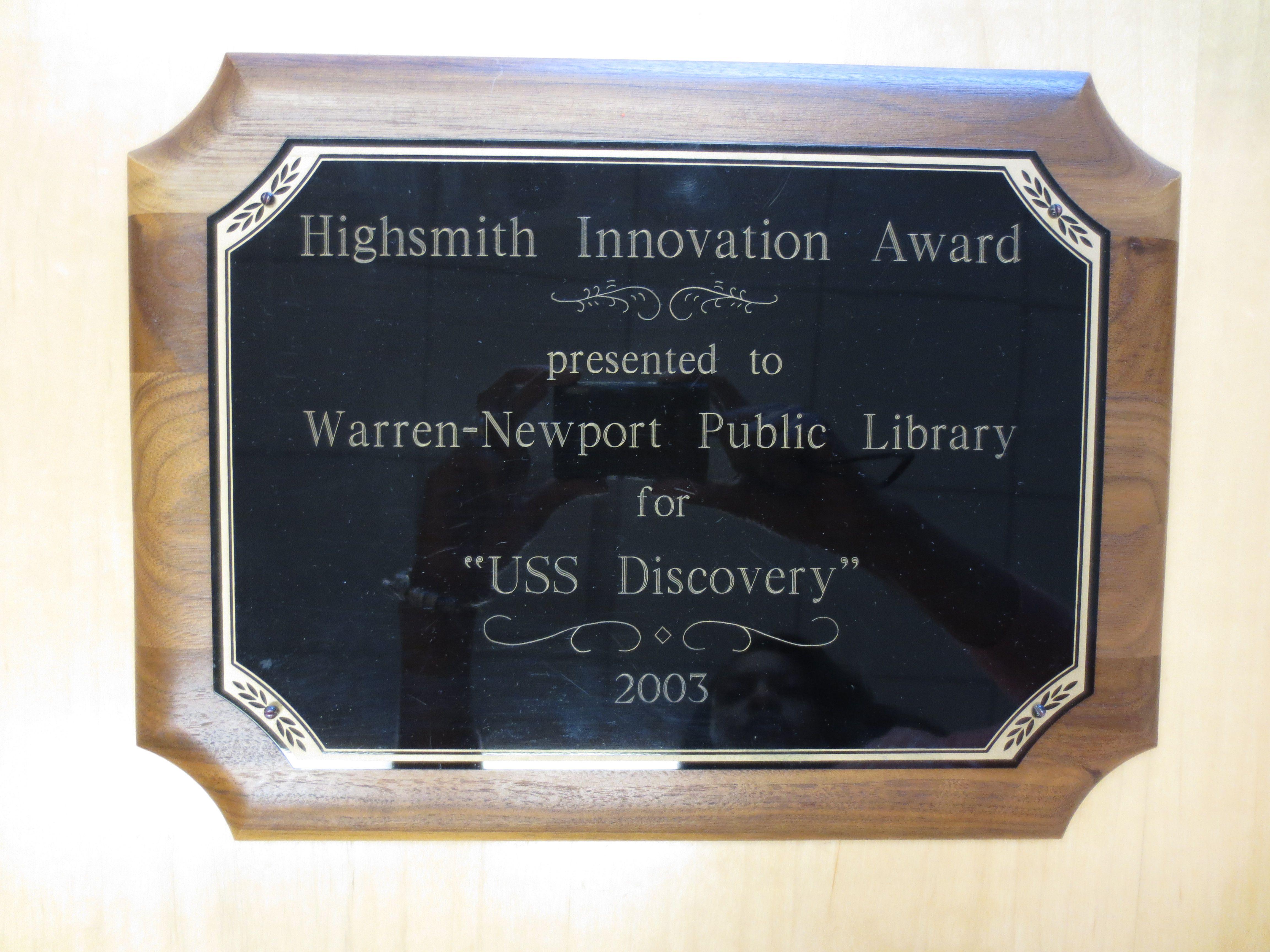 "Highsmith Innovation Award for ""USS Discovery"" 2003 Uss"