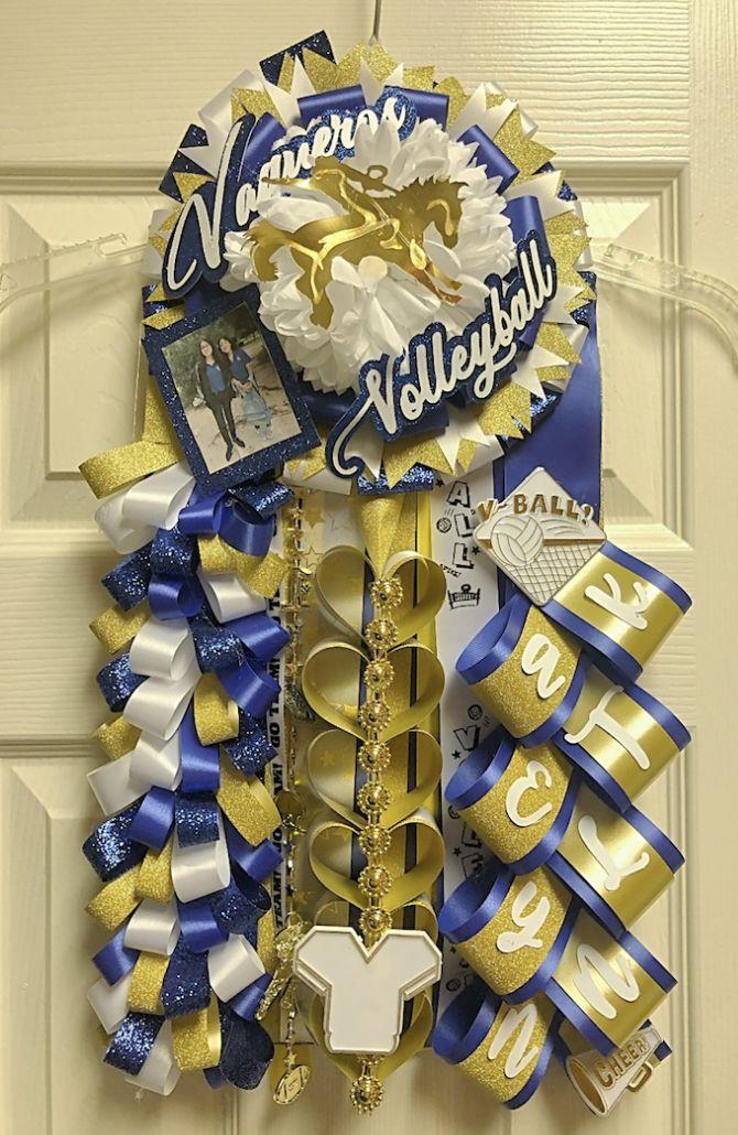 Blue and Gold Homecoming Mum #homecomingmumsdiy