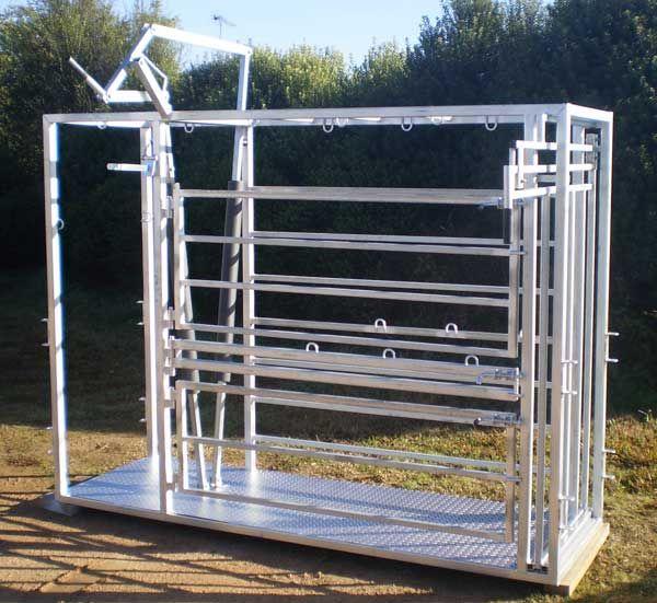 Alpaca Crush / Alpaca Handler  Buy Australian made livestock