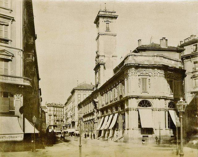 Piazza Mercanti da piazza Duomo | da Milàn l'era inscì