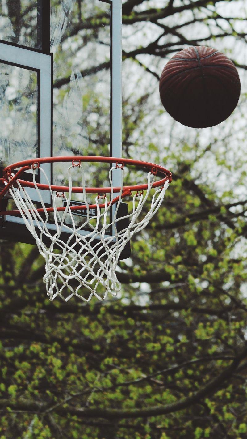 Pin By Sharon Koehn On Koszykowka In 2020 Basketball Wallpaper Basketball Moves Basketball Background