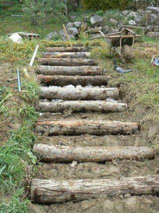 Escaliers de jardin en rondins de bois - Autoconstruction