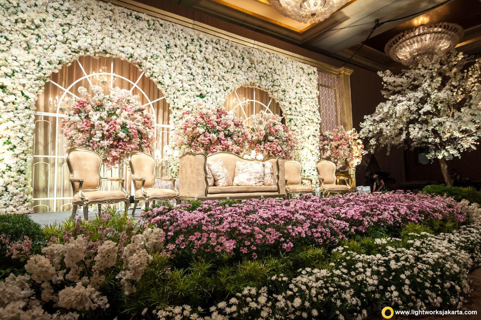 Wedding stage decor ideas  Stunning stage decor  Indian wedding decor ideas  Reception decor