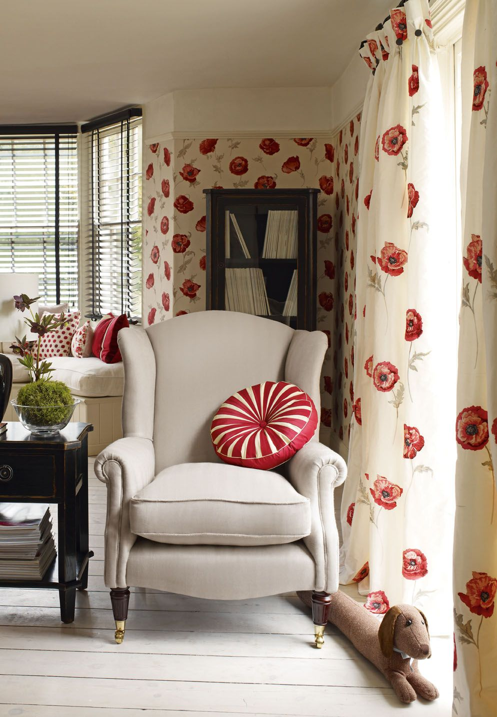 Freshford Floral Red Wallpaper Laura Ashley Usa Bed