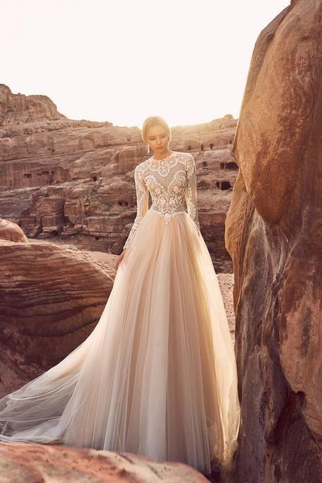 c4c739ca4889273 Свадебное платье «Халиса» Оксаны Мухи — купить в Москве платье Халиса из  коллекции