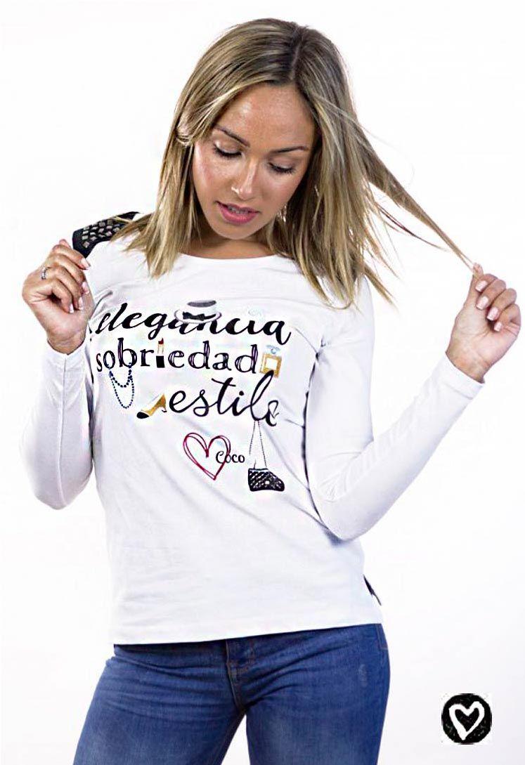 b696270b93 Camiseta blanca y negra de algodón con texto Coco Chanel. Camiseta vestir  mujer de manga