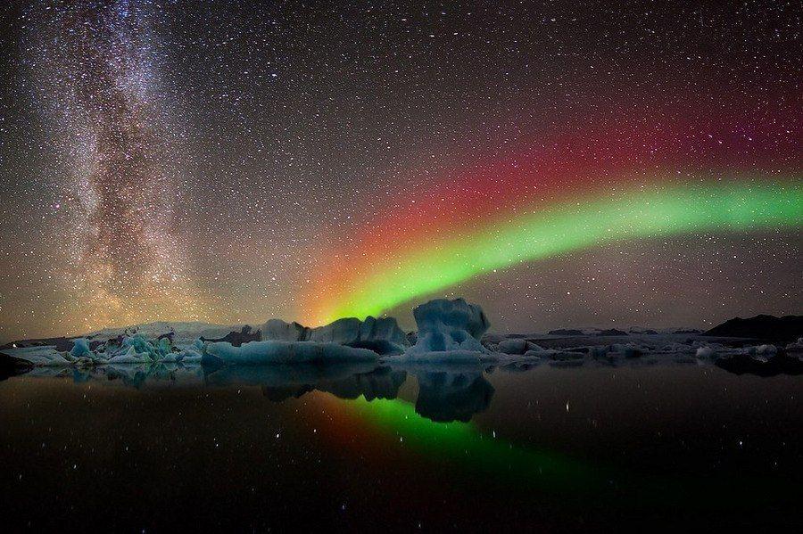 Northern lights near Jokulsarlon glacier, Iceland