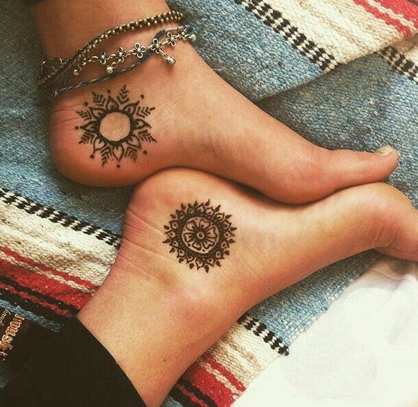 So Cute Sun And Moon Would Be Cool Tattoos Tattoos Henna