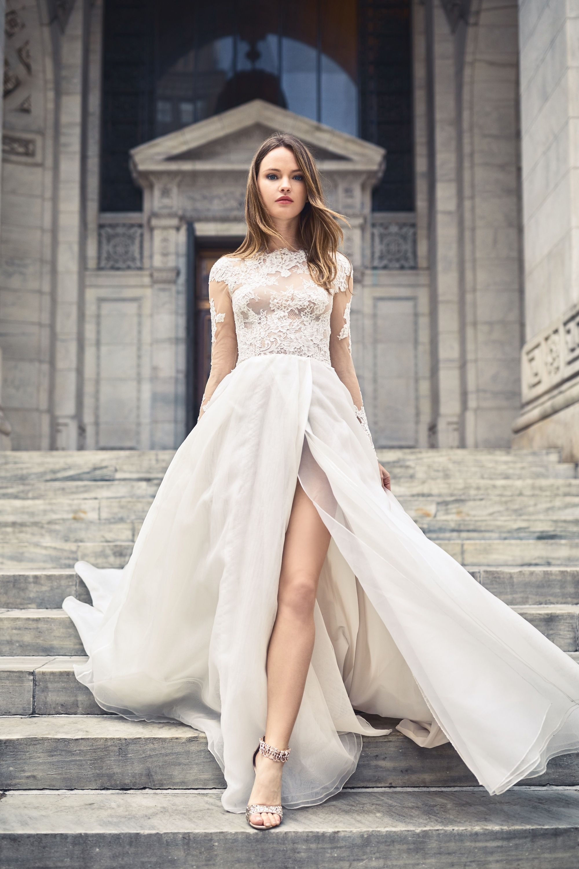 5352bf5026a816 Take a look at the best Winter Wedding dresses 2017 in the photos below and  get ideas for your wedding! The 5 winter wedding color schemes that are  going to ...