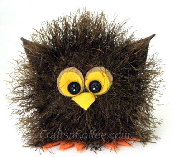 Super-cute craft ideas for kids - make a Baby Yarn Owl. Try white yarn to make a Snowy Owl Baby.